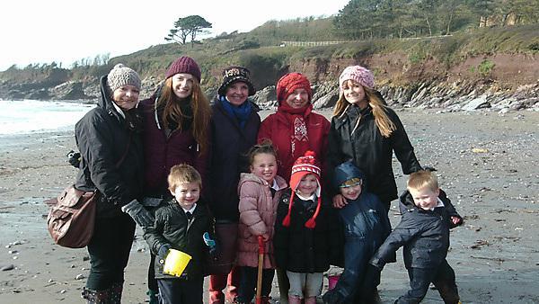 PIE Students and School Children at Wembury Beach