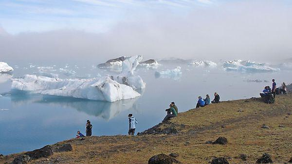 Geography field trip to Iceland 2007, students observe iceberg