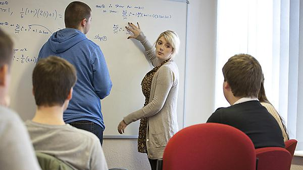 Second year students help first years adapt to university and master new material at weekly, small group PALS sessions
