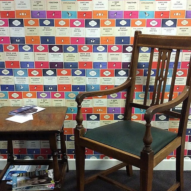 Writing Café seat
