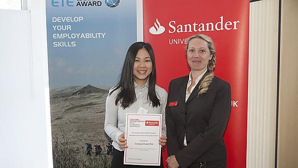 Leung Chuen Hoi recieved her Santander Iberamerican scholarship