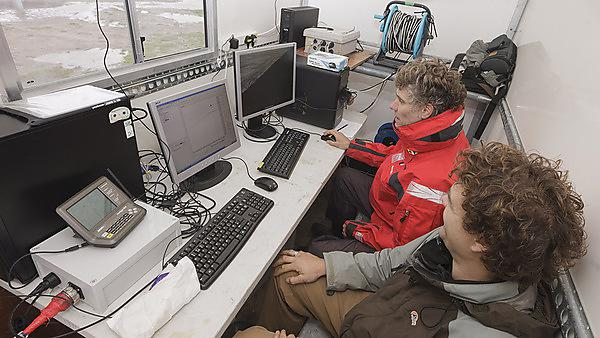Real-time data analysis during storm-chasing fieldwork