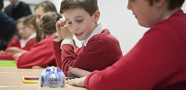 Primary schools and University to explore learning benefits of computing and robotics