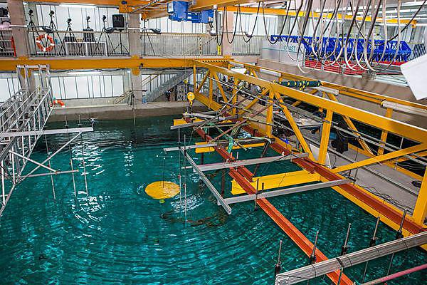 Global marine renewable energy firm offers students a glimpse of the future