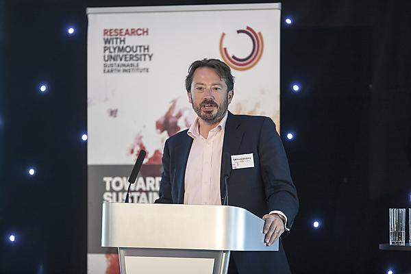 Anthony Hobley, Chief Executive Officer of Carbon Tracker presenting at Sustainable Earth 2016