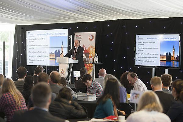 Sir Mark Walport, Government Chief Scientific Adviser, presenting at Sustainable Earth 2016