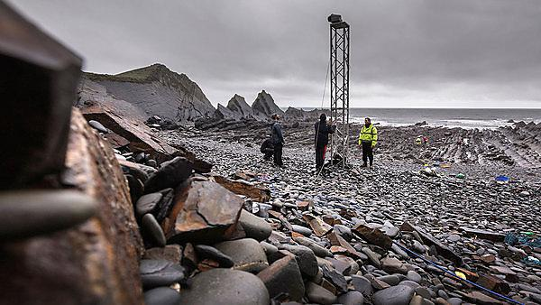 <p>The Coastal Processes Research Group<br>Hartland Quay - North Devon<br>Researchers Survey wave impact on shore platform<br></p>