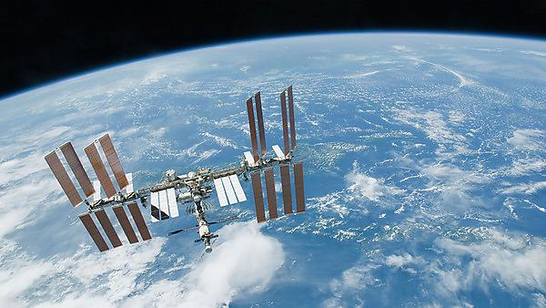 <p>Space station over Earth</p>