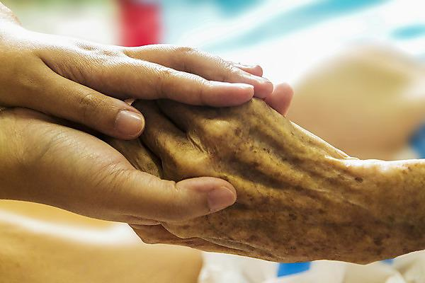Enhanced acute medical care for older adults (diploma and degree level)