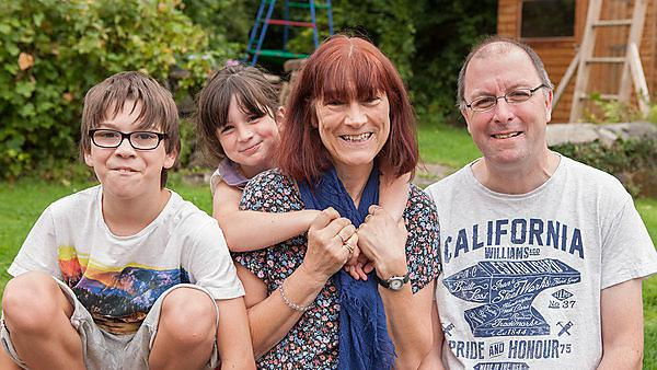 <p>Lyn Fearn and family</p>