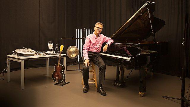 <p>Professor Eduardo Miranda – Professor in Computer Music</p>