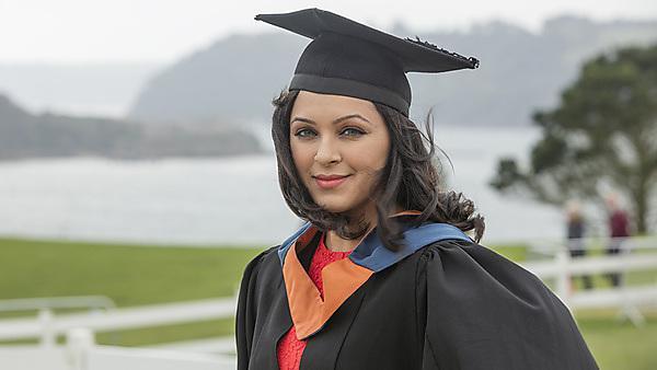 Mariam Bhojani - BSc (Hons) Optometry graduate