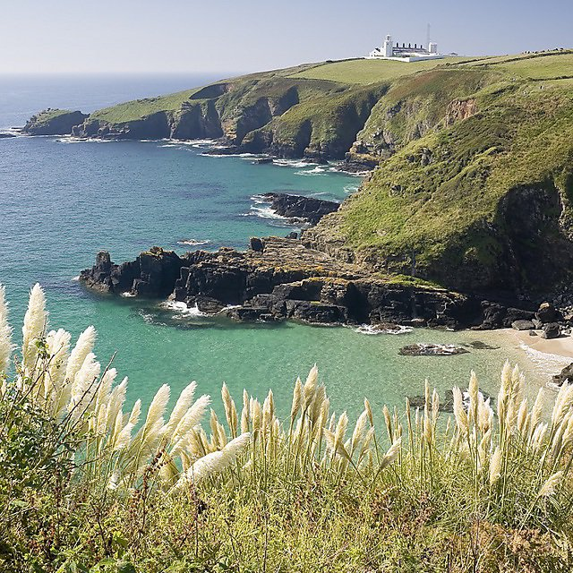 <p>Cornish coast - Getty Image</p>