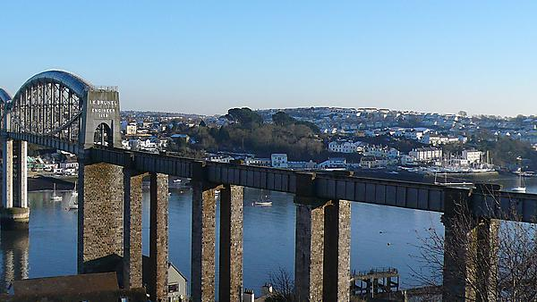 Tamar Bridge looking towards Cornwall (shutterstock_207373096)