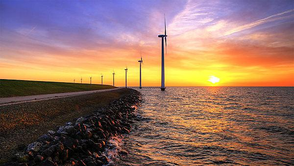 <p>Marine and Composites Technology induction image. Posts in the sea at sunset. Courtesy of Shutterstock.</p>