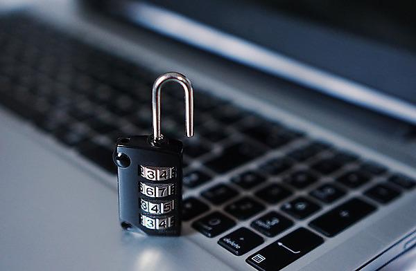 <p>Computer security with padlock. Source:&nbsp;https://pixabay.com/en/computer-security-padlock-hacker-1591018/</p>
