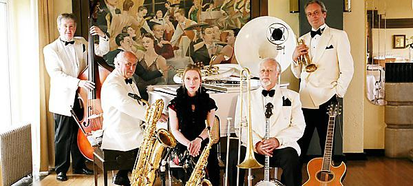 <p>Art Deco Band</p>