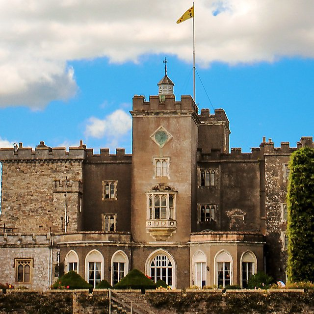 <p>Powderham Castle, the ancestral home of the Earl of Devon</p>