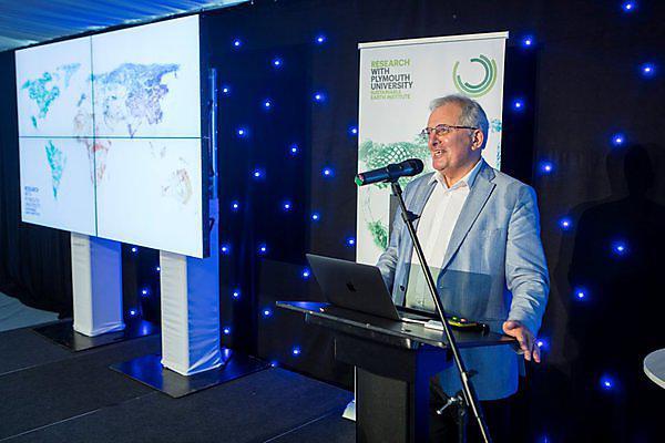 <p>  <b></b>Professor Chris Rapley, Professor of Climate Science, University College London</p>