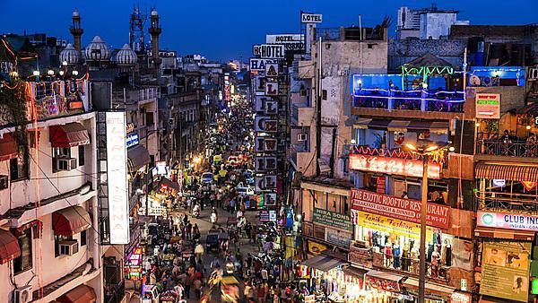 <p>City life - main bazaar, New Delhi, India</p>