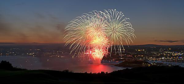 <p>firework</p>