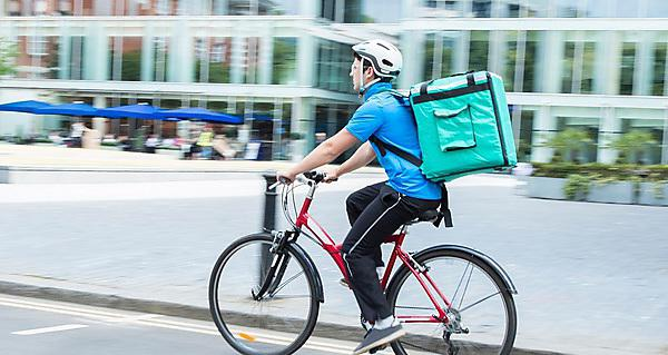 <p>  </p><div>Courier On Bicycle Delivering Food In City (Deliveroo)</div>  <br><p></p>