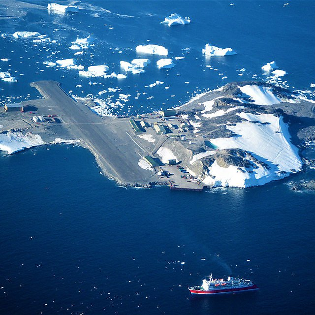 <p>My work base: Rothera research station<br></p>