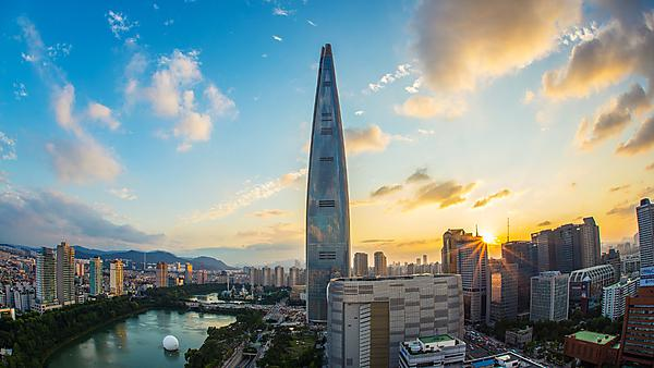 <p>Lotte World Tower, Seoul, South Korea</p>