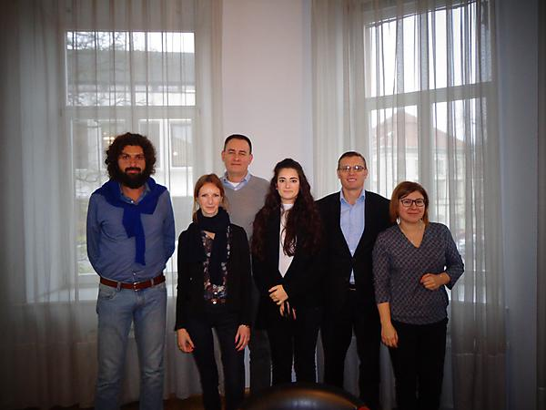 Partner representatives from left to right: Alessandro Gariano (Enjoy Italy); Aiste Kumponaite (JVSA, Lithuania), Piotr Juchniewicz (WSBT, Poland); Evangelia Papaioannoy (IAEAE, Greece); Jonathan Moizer (UoP); Anna Dziadkiewicz (WSBT, Poland)