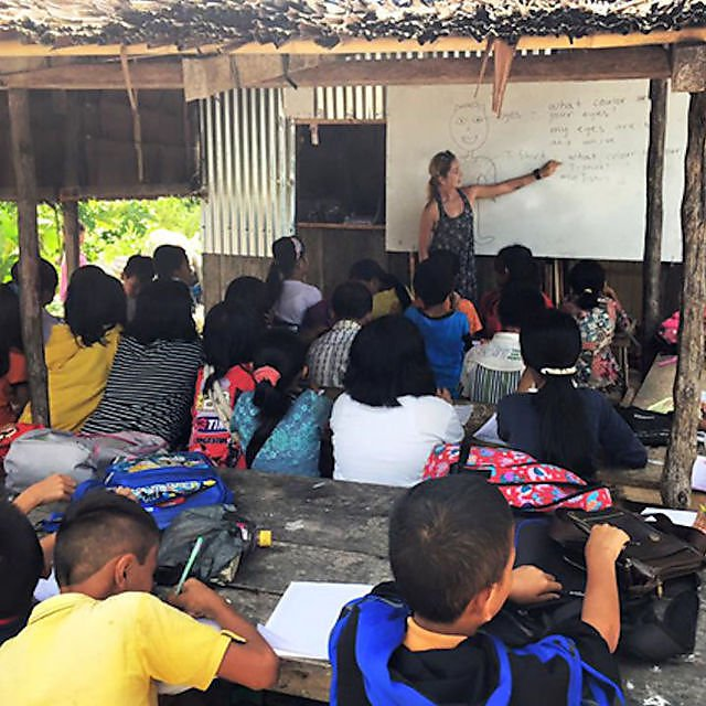 <p>Emmy Noklebye – Teaching my first class in the outdoors classroom<br></p>