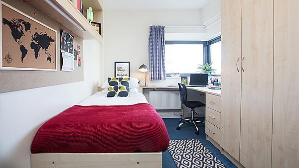 <p>Bedroom</p>