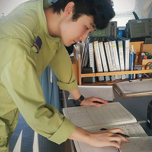 <p>Jisoo Kim preparing documents<br></p>
