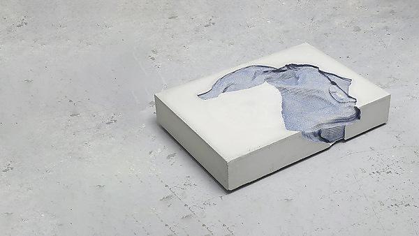 <p>'Torso', Marie Lund, 2014</p>