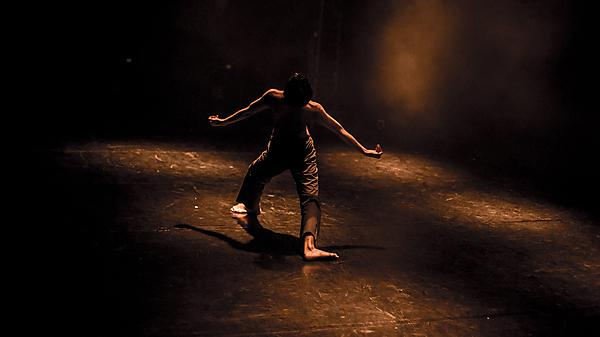 <p>                 Aakash Odedra Company. 2013 Fringe Festival. By Pippa Dodds<br></p>