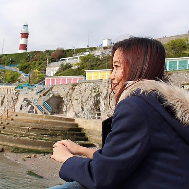 <p>  Angelia Ong   Ong on Plymouth Hoe</p>