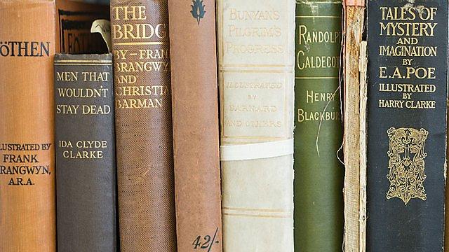 <p>Books<br></p>