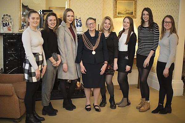 <p>Nancy Astor scholarships 2018 students and Lord Mayor</p>