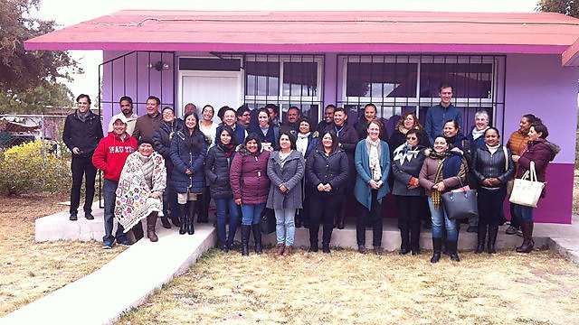<p>Workshop with teachers and education leaders at a primary school in the rural Hidalgo province.<br></p>