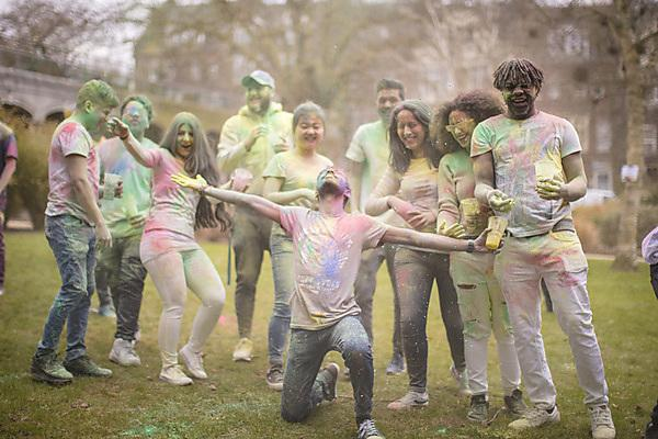<p>Celebrating the Holi festival 2018&nbsp;</p>