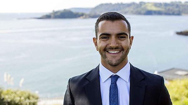 <p>Seif Abdelgabbar<br></p>