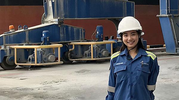 <p>  Angelia Ong on a site visit learning about cement vessel operations  <br></p>