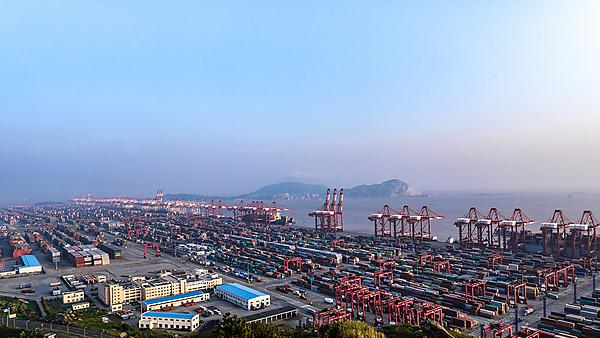 <p>Container port, Shanghai</p>