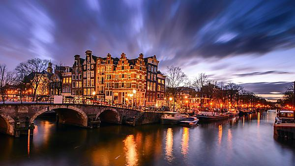 <p>Amsterdam canal at twilight</p>