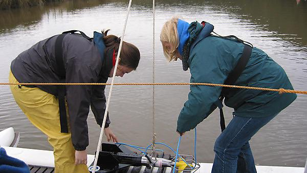 <p>Applied marine science students</p>