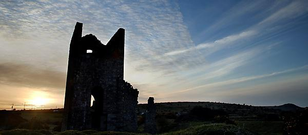 <p>Tin mine in Cornwall</p>