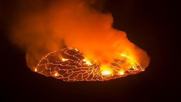<p>View into the lava lake inside the crater of Nyiragongo volcano, Congo<br></p>