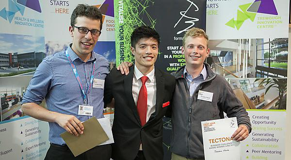 Francesco D'Alessio (left) and Theodore Moule (right) receiving their Tectona Business Challenge award from Santander's Yingbin Wu