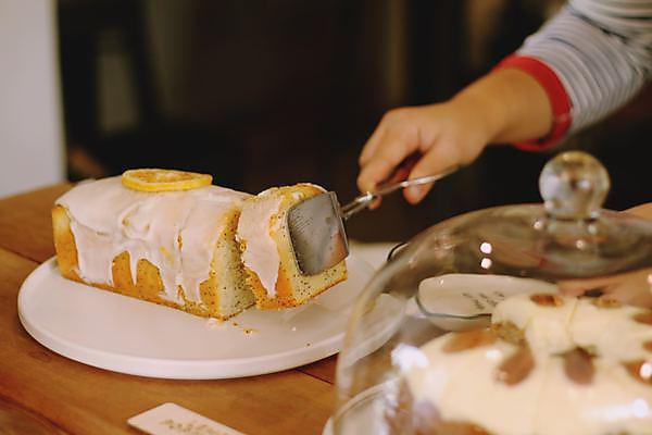 <p>Lemon Cake</p>