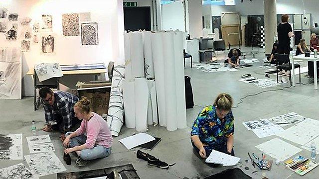 <p>Amber Hall studio pano2</p>