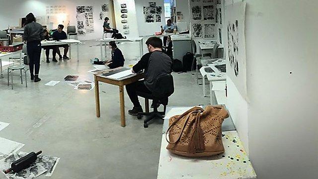 <p>Amber Hall studio pano3</p>